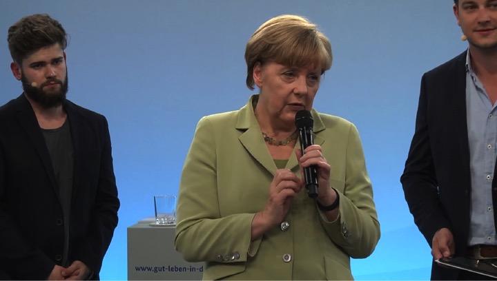 Merkel_spiegelt